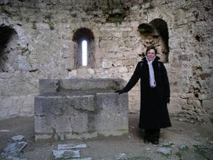 Susanne at a ruined Cathar castle